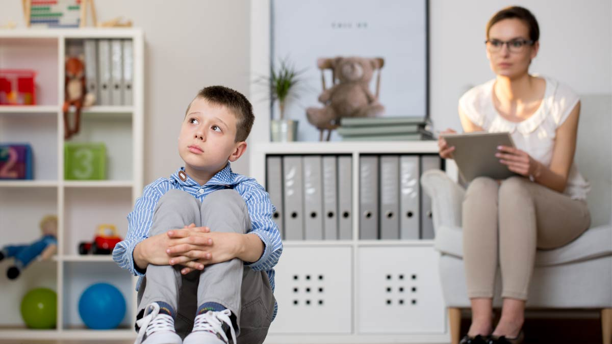 A psychiatrist observing a patient