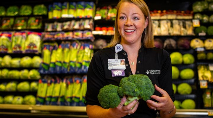 A clinical dietician at the grocery store
